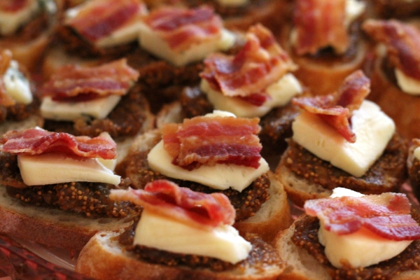 brie bacon + fig crostini